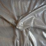 tissu gris argent brillant